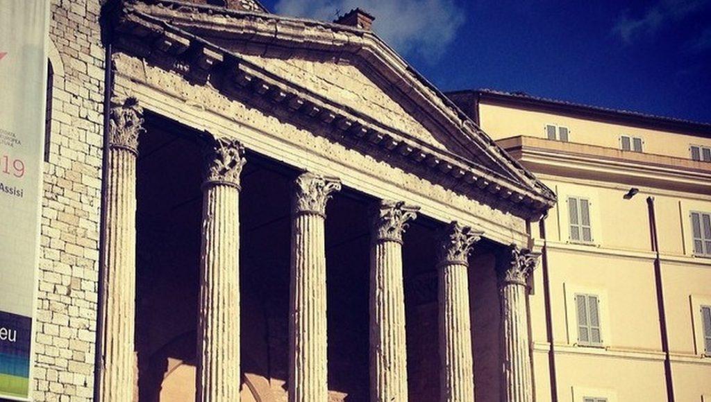 Visitare Assisi romana, itinerari e consigli